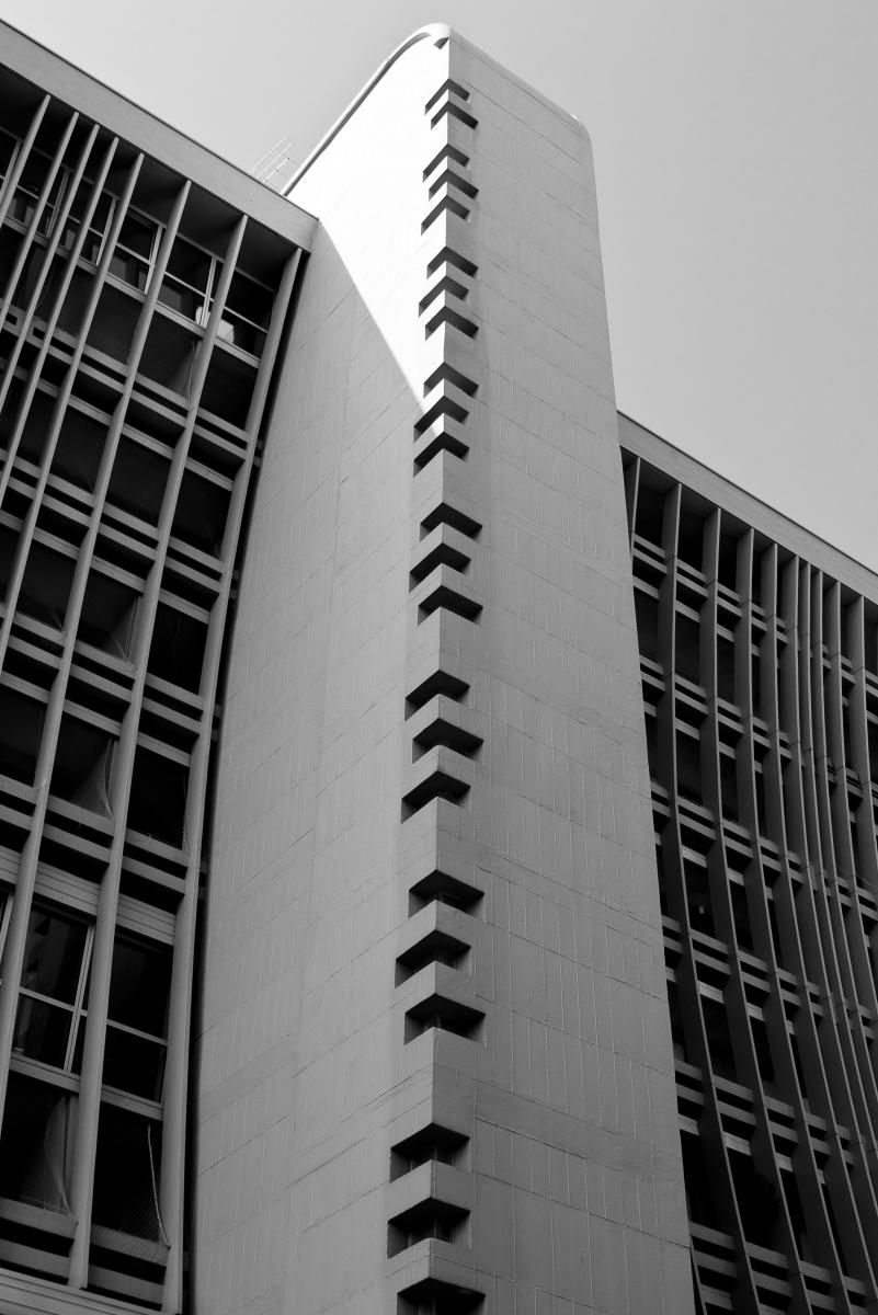 Geometrie - Graffiti e graffi di cemento